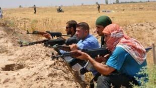 Dans la ville de Taza, les Turkmènes ont pris les armes pour se défendre.