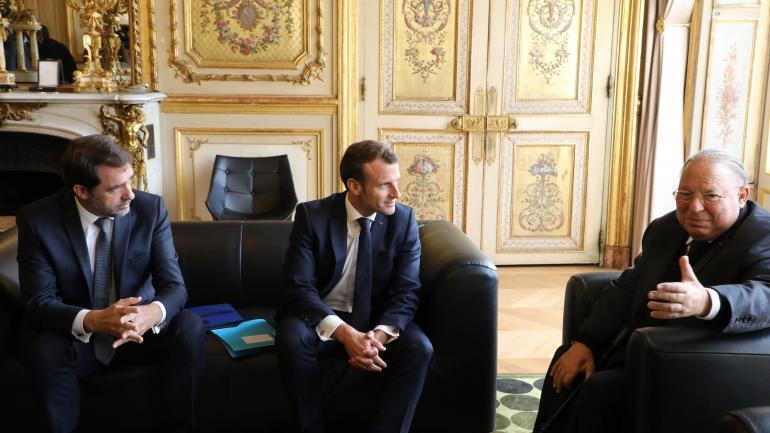 Presidente francês, Macron, recebe no Eliseu, membros da comunidade muçulmana