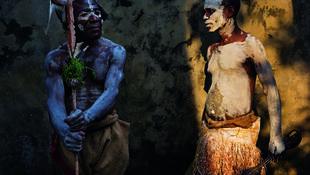 Pygmées originaires de la province de l'Équateur pris en photo par Pascal Maître en 2012.