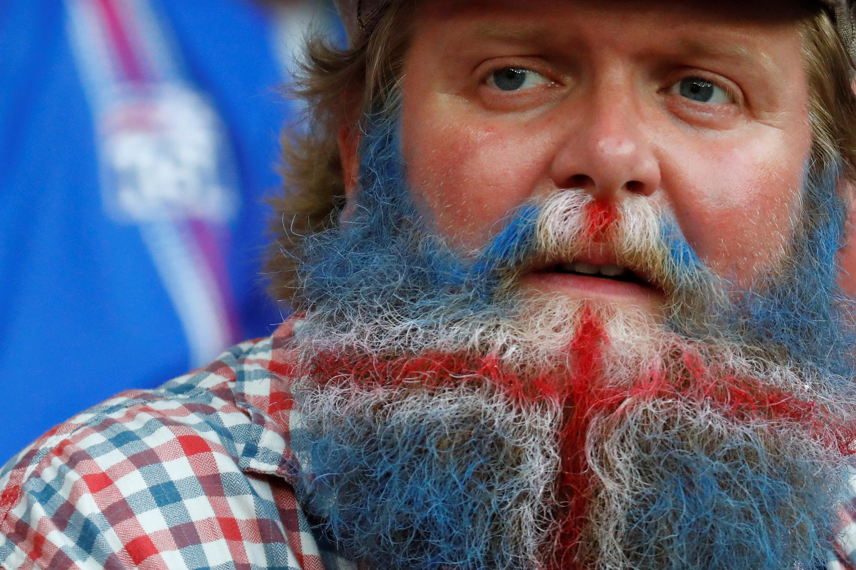 Torcedores islandeses se destacaram pela irreverência na Eurocopa.