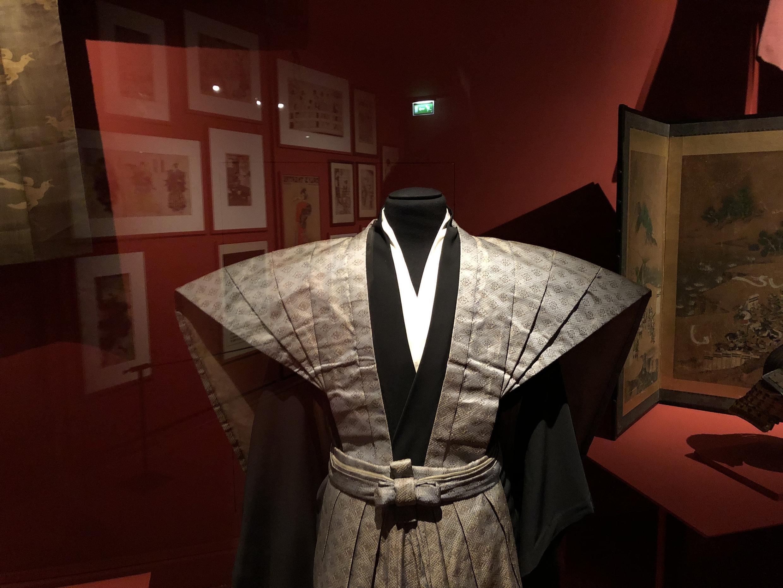Tradição e modernidade se misturam na seleção de peças escolhidas para a exposição sobre arte japonesa