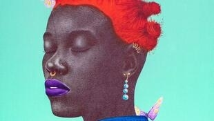 Kingsley : « My Purple lips » (détail), 131 x 94 cm, 2020, stylo à bille noir et acrylique sur toile, dans l'exposition « Wuna Kam Seeam » à la Annie Kadji Art Gallery à Douala, Cameroun.  © Annie Kadji Art Gallery
