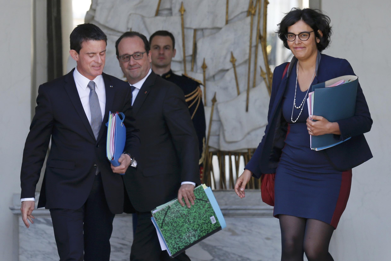 法國總統奧朗德(中)總理瓦爾斯(左)勞動部長科姆麗(右)2016年5月25日愛麗舍宮部長會議後