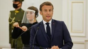 Le président français, Emmanuel Macron, lors de la conférence de presse au Palais présidentiel de Vilnius, en Lituanie le 28 septembre 2020.