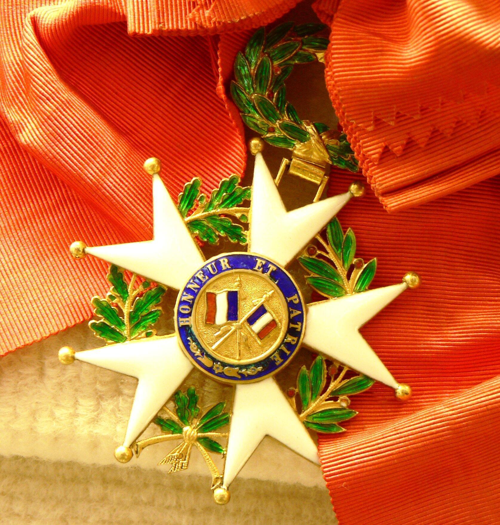 Высшая французская награда - орден Почетного легиона
