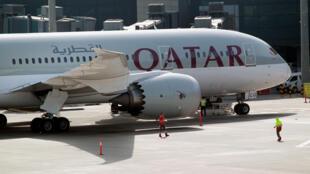 Un avion de la compagnie Qatar Airways sur le tarmac de l'aéroport de Doha, le 7 juin 2017.