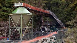 L'entrée principale de la mine de charbon de Pike River située sur la côte ouest de l'île Sud de l'archipel de Nouvelle-Zélande.
