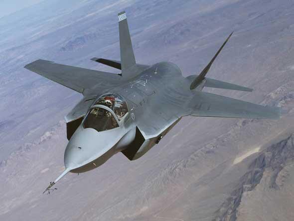 """یک فروند هواپیمای رادارگریز """"اف ۳٥"""""""