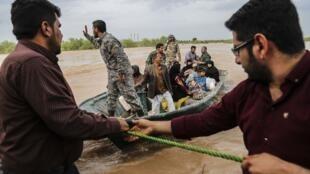 سیل  و آب گرفتگی در استان خوزستان و در اطراف اهواز