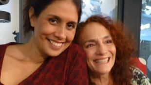Ana Caridad Sánchez y Claudia Dammert, en los estudios de RFI