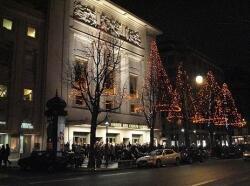 El Teatro de los Campos Elíseos está abierto todo el año con espectáculos muy diversos.