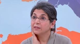 Nhà nghiên cứu Fariba Adelkhah trả lời phỏng vấn đài France 24-France Info (Ảnh chụp màn hình).