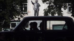 Памятник В.И.Ленину в городе Тутаеве