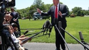 Shugaban Amurka Donald Trump yana yi wa manema labarai jawabi kan matakin tura sojin kasar zuwa yankin Gabas ta Tsakiya