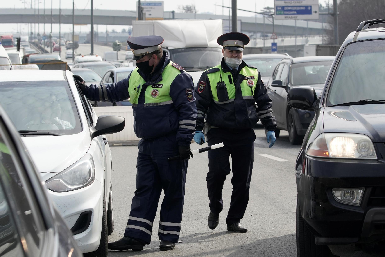 Полицейская проверка на дорогах Москвы, 13 апреля 2020.