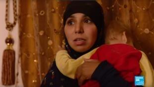 Una de las madres de los niños retenida en un campo de concentración en Siria.