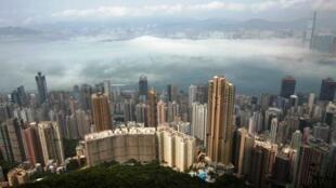 资料图片:香港城市景观。摄于2010年3月15日。