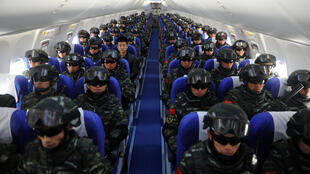 Lực lượng an ninh Trung Quốc được tăng cường tại Tân Cương, tháng 2/2017.