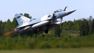 Chiến đấu cơ Mirage của không quân pháp trong lực lượng NATO cất cánh từ căn cứ quân sự ở Estonia ngày 25/05/2018.