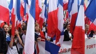 El nacionalismo es uno de los principales ingredientes de los partidos anti-establishements.
