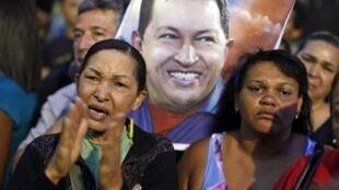 Dans les rues de Caracas, après l'annonce du décès d'Hugo Chavez, le 5 mars 2013.