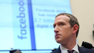 Pour François Laurent, Facebook «ne prend pas de grands risques» en laissant proliférer les discours haineux. Ici, Mark Zuckerberg, en octobre 2019.