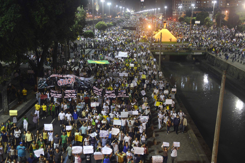 Manifestação no Rio de Janeiro no dia 20 de junho de 2013.
