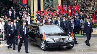 Xe hơi chở ông Kim Jong Un khi rời ga Đồng Đăng, Việt Nam, ngày 26/02/2019.