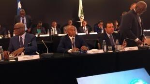 Le Malgache Ahmad (au centre) lors d'une réunion de la CAF, le 4 juin 2019 à Paris.