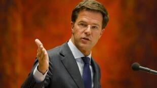 Le Premier ministre démissionnaire Mark Rutte lors d'une allocution devant le Parlement à La Haye, le 24 avril 2012.
