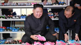 金正恩視察製鞋廠