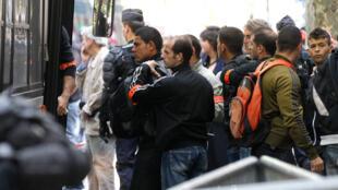 Arrestation de migrants tunisiens dans le 19ème arrondissement de Paris,  le 4 mai 2011.