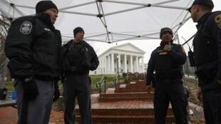 Un point de contrôle de sécurité devant le Capitole de Richmond, le 18 janvier 2020, à deux jours du rassemblement de pro-armes et de miliciens.