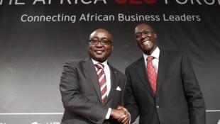 Le président de la Banque africaine de développement Donald Kaberuka (à gauche) et Makhtar Diop (à droite), vice président de la Banque mondiale, en charge de l'Afrique.