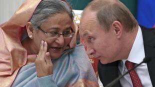 Владимир Путин и премьер Бангладеш Шейх Хасина на церемонии подписания соглашений в Кремле 15/01/2013