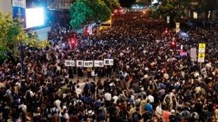 資料圖片:2019年8月2日,香港公務員集會聲援反送中抗爭運動。