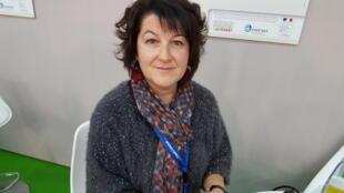 Nadège Brochard, conseillère viticole à la chambre d'agriculture de Loire-Atlantique dans le vignoble du Muscadet.