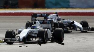 O piloto brasileiro Felipe Massa (à frente) e o finlandês Valtteri Bottas, ambos da Williams, durante o GP da Malásia.