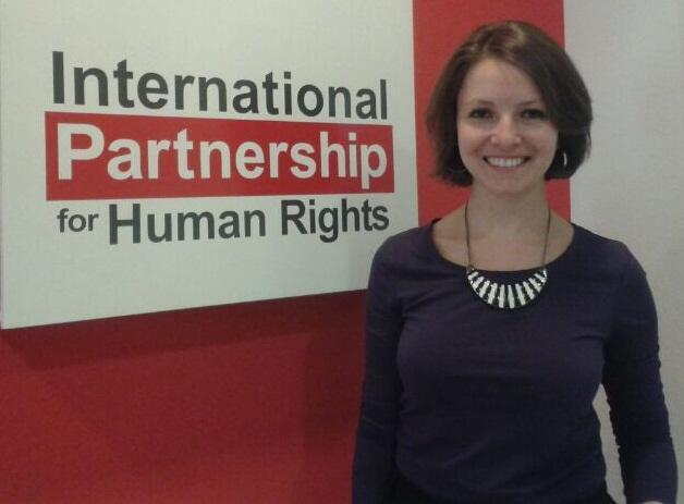 A brasileira Mariana Rocha, da Parceria Internacional para os Direitos Humanos, em Bruxelas.