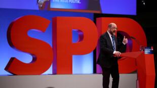 Chủ tịch đảng Xã Hội -Dân Chủ SPD Martin Schulz phát biểu tại đại hội bất thuwofng của đảng tại Bonn ngày 21/01/2018.