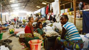 Dans le camp de Maluku, en RDC, près de 3 000 des 40 000 personnes expulsées du Congo-Brazzaville attendent de trouver un endroit où s'installer, en mai 2014.