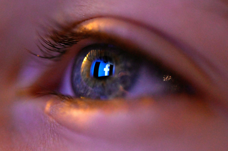 Facebook ya es uno de los grandes líderes globales en lo que concierne a la realidad virtual, con sus auriculares Oculus, de la sociedad del mismo nombre, comprada 2.000 millones de dólares (1.720 de euros), en 2014