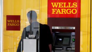 Considérée auparavant comme une banque de confiance car elle n'avait pas été éclaboussée par le scandale des «subprimes», Wells Fargo a vu sa réputation ternie par le scandale des comptes fictifs.