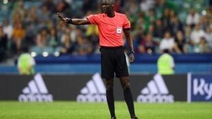Le Gambien Bakary Gassama est l'un des 36 arbitres retenus pour le Mondial 2018.