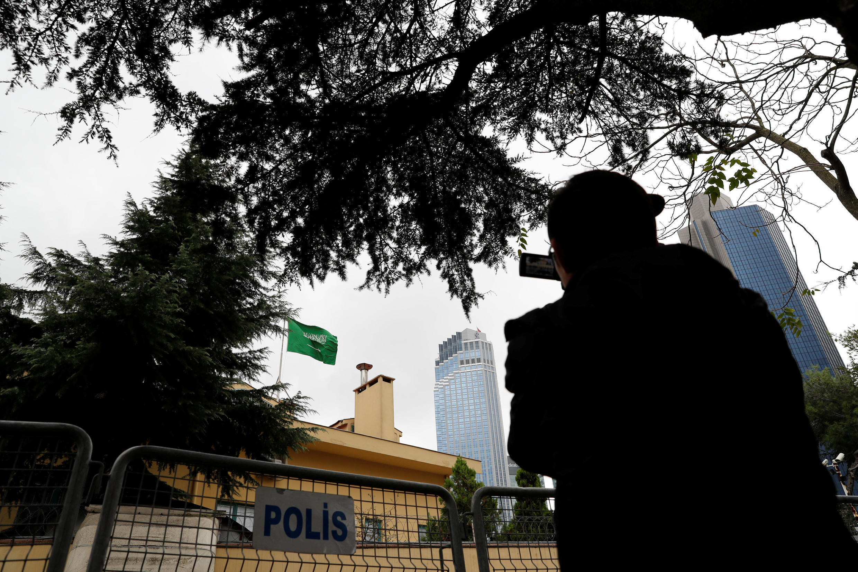 Câmera registra imagem do Consulado da Arábia Sa em Istambul
