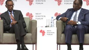 Shugaban Rwanda Paul Kagamé tare da Shugaban Senegal Macky Sall a taron masana kimiya da Next Einstein ta shirya
