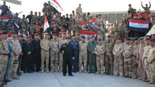 Primeiro-ministro iraquiano, Haïdar al-Abadi  anuncia a vitória  sobre o grupo Estado islâmico. Mossul, 10 de Julho de 2017
