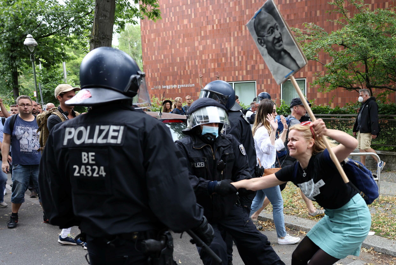 2021-08-01T103634Z_2040615629_RC2AWO9QVXDE_RTRMADP_3_HEALTH-CORONAVIRUS-GERMANY-PROTEST