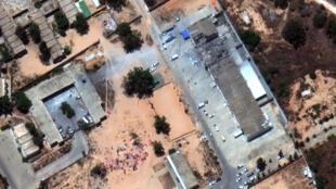 Imagens de satélite mostra o centro de imigrantes depois do ataque aéreo no subúrbio de Trípoli, Tajoura, Líbia, 3 de julho de 2019.