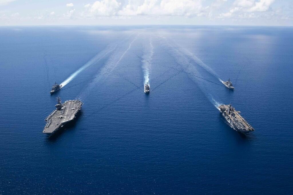 Tàu sân bay Mỹ USS Ronald Reagan và các chiến hạm hộ tống thuộc hạm đội 7 hoạt động trong vùng Biển Đông, ngày 06/10/2019. ( Ảnh do Hải quân Mỹ cung cấp cho AFP)